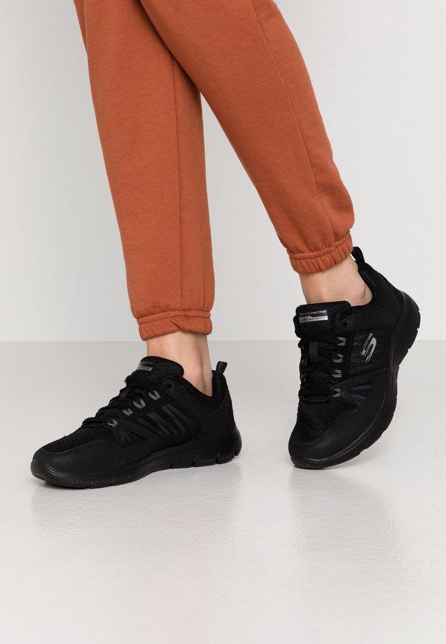 SUMMITS WIDE FIT - Sneaker low - black