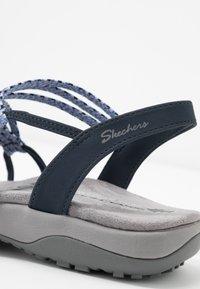 Skechers Wide Fit - REGGAE SLIM - Sandály - navy - 2