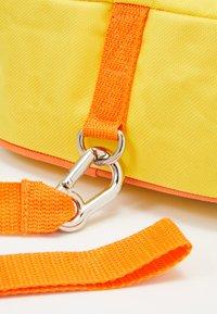 Skip Hop - ZOO LET BEE - Reppu - yellow/black - 6