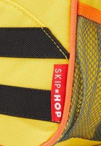 Skip Hop - ZOO LET BEE - Reppu - yellow/black - 5