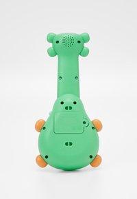 Skip Hop - FARMSTAND ROCK-A-MOLE GUITAR - Speelgoed - mole - 1