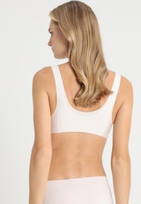 Sloggi - FEEL BRALETTE - Bustier - off-white - 2