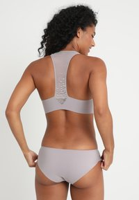 Sloggi - SIGNATURE ZERO-FEEL LOW RISE CHEEKY - Slip - dust - 2
