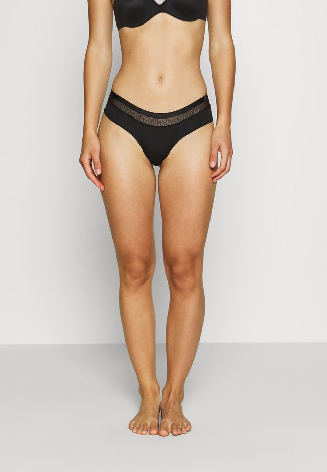 SILHOUETTE LOW RISE CHEEKY - Culotte - black
