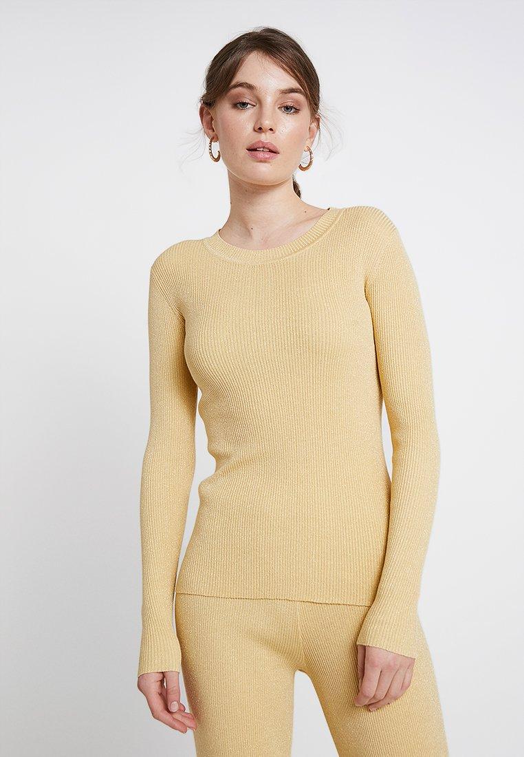 Storm & Marie - SOLID - Stickad tröja - golden haze