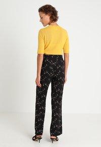 Smash - AURI - Spodnie materiałowe - black - 2