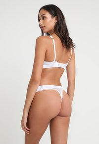 Stella McCartney Lingerie - STELLA THONG - Stringit - white - 2