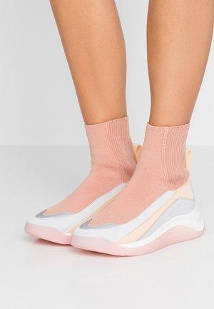 OVADA - Sneakersy wysokie - rosa/nudo