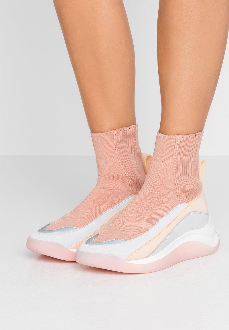 Sportmax - OVADA - Sneakersy wysokie - rosa/nudo