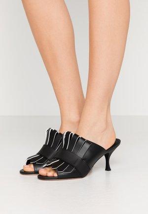RARO - Pantofle na podpatku - nero