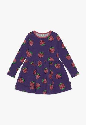 DRESS STRAWBERRY - Vestito di maglina - pruple heart