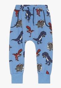 Småfolk - PANTS WITH DINOSAURS - Pantalon de survêtement - winter blue - 0