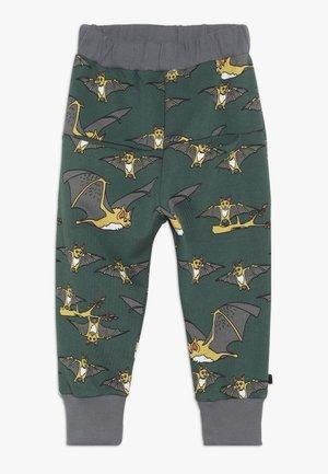 PANTS WITH BAT - Träningsbyxor - hunter green