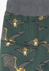 Småfolk - PANTS WITH BAT - Tracksuit bottoms - hunter green - 3