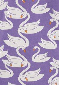 Småfolk - NIGHTWEAR SWAN - Pijama - purple - 6