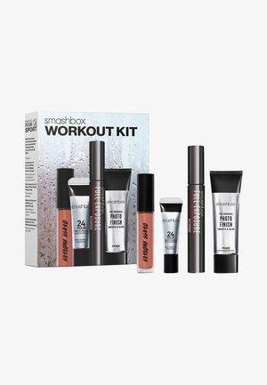 WORK OUT KIT - Makeup set - honey