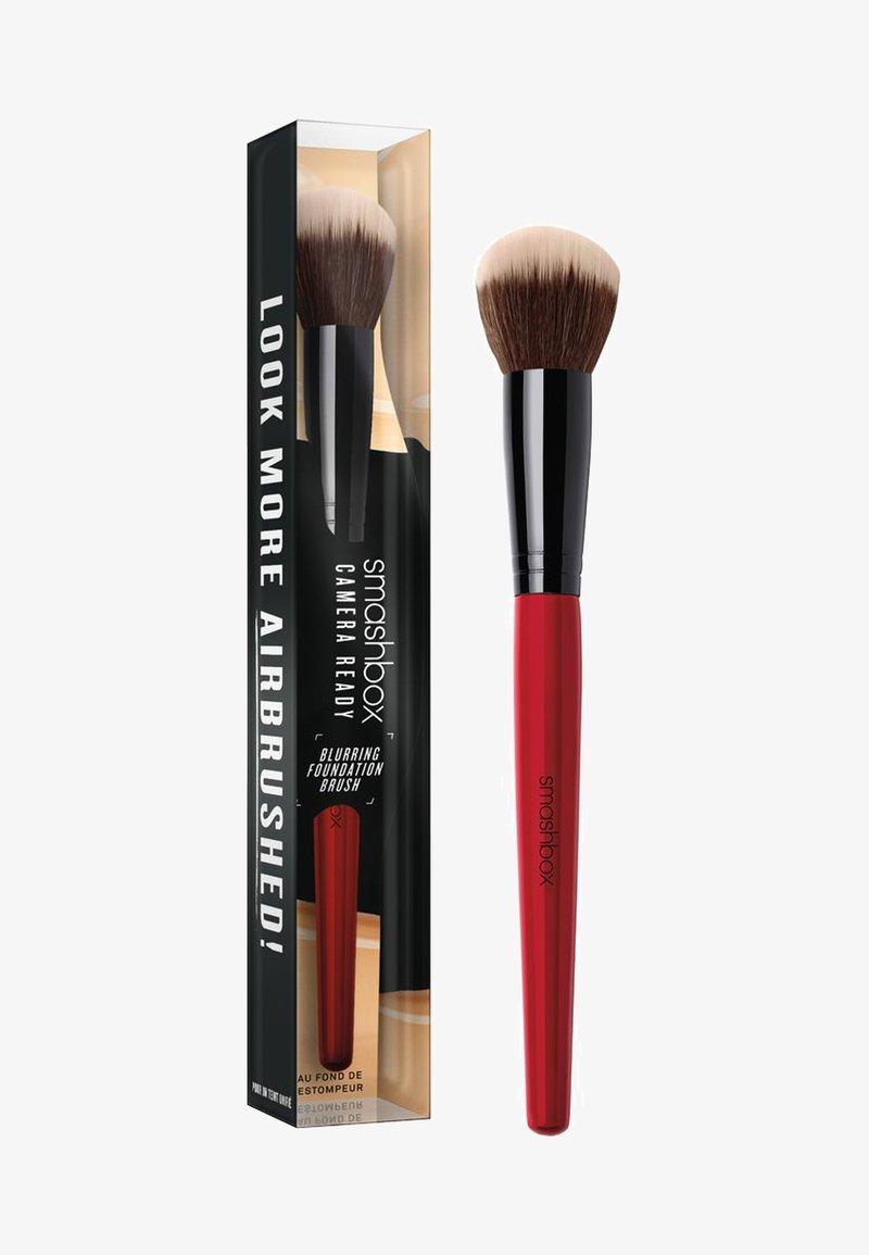 Smashbox - BLURRING FOUNDATION BRUSH - Pinceau maquillage - -