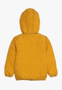 Smitten Organic - SNOW JACKET BABY  - Bunda zprachového peří - amber yellow/orion blue - 1