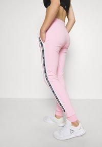 Smilodox - DAMEN - Teplákové kalhoty - rosa - 4