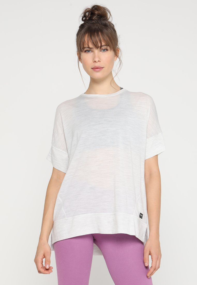 super.natural - SLASH NECK TEE - Print T-shirt - moonlight melange