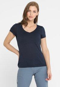 super.natural - BASE TEE - Print T-shirt - navy blazer - 0