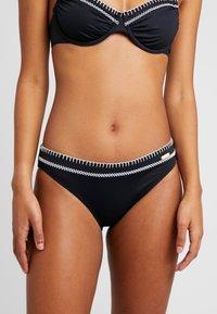 Sunseeker - PANTS SUNSEEKER DAINTY - Bikini bottoms - black - 0