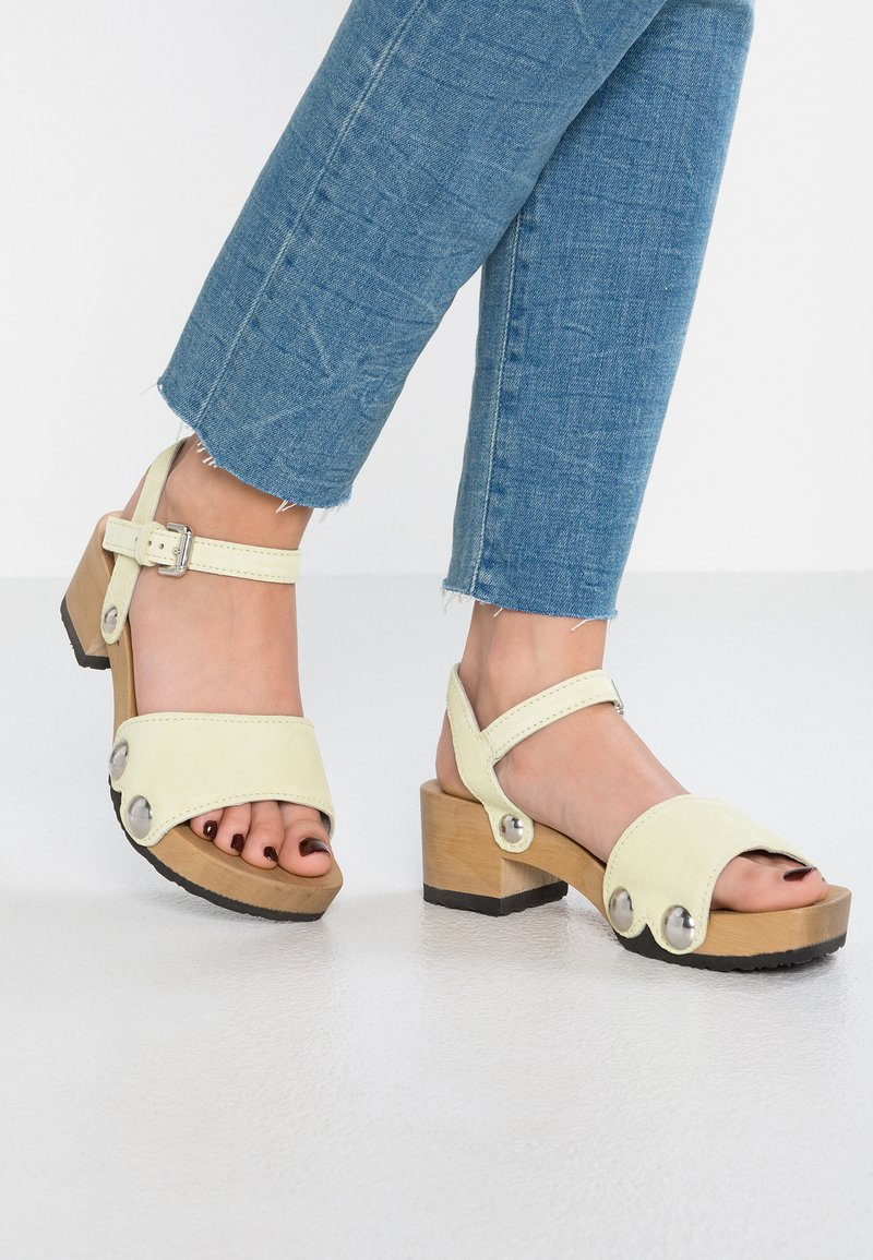 Softclox - PENNY - Clogs - pastell gelb