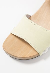 Softclox - PENNY - Clogs - pastell gelb - 2