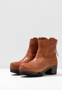 Softclox - INKEN - Platform ankle boots - cognac - 4
