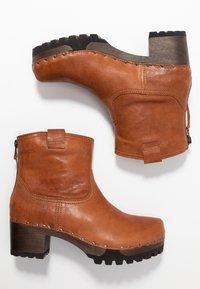 Softclox - INKEN - Platform ankle boots - cognac - 3