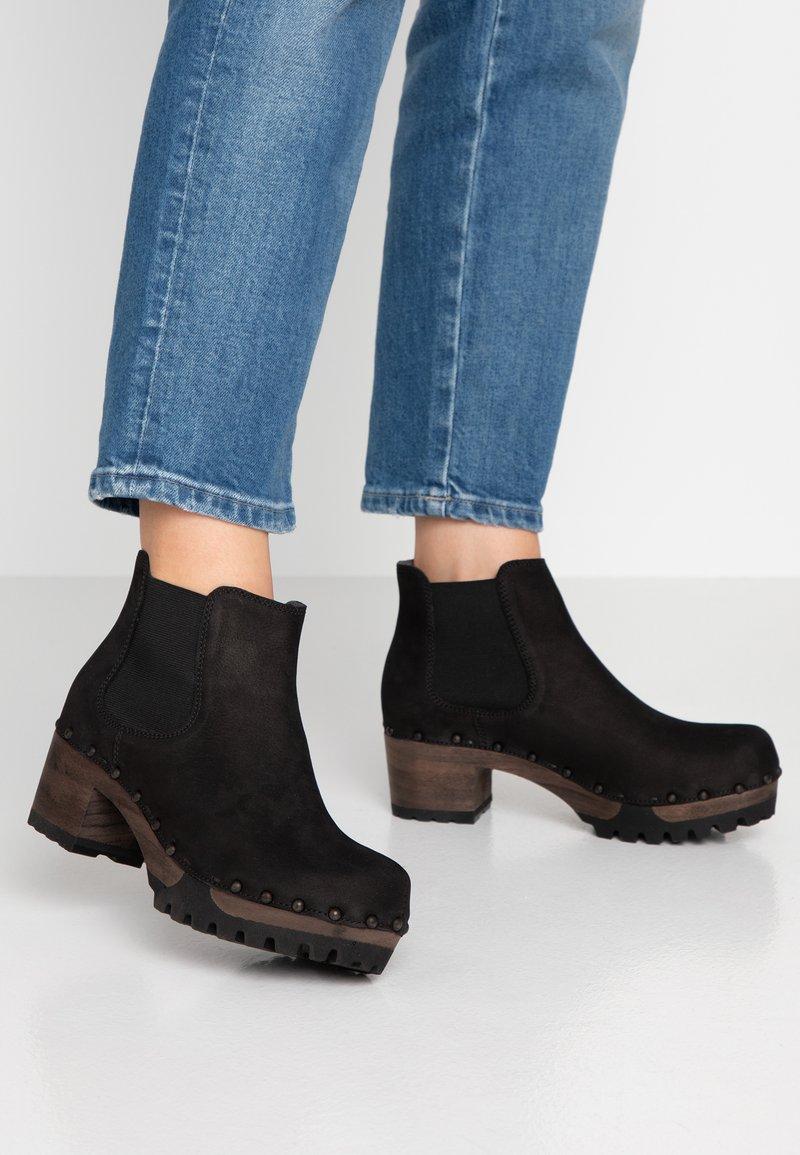 Softclox - ISABELLE - Korte laarzen - schwarz
