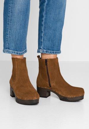 JAMINA - Ankle boots - terrakotta