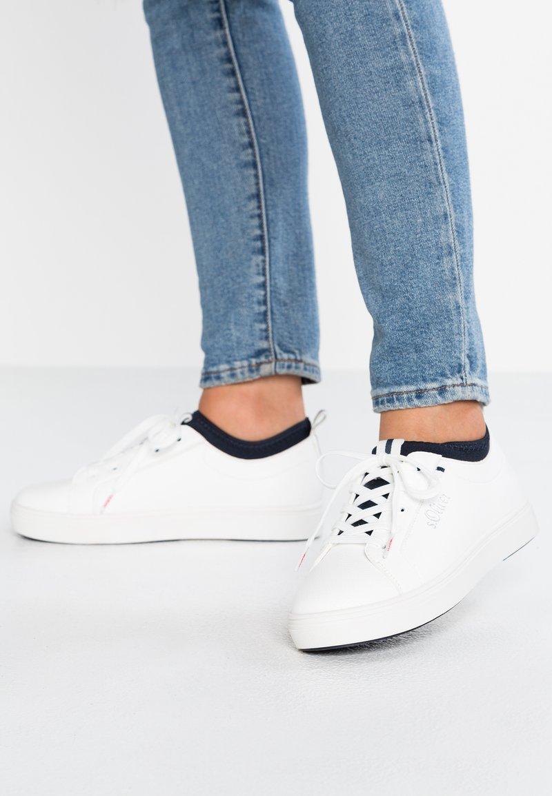 s.Oliver - Sneaker low - white/navy