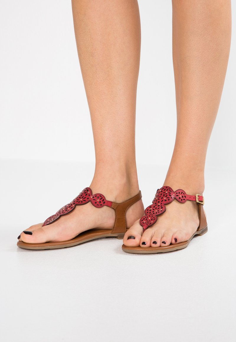 s.Oliver - T-bar sandals - bright red