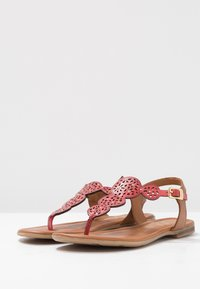 s.Oliver - T-bar sandals - bright red - 4