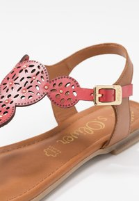 s.Oliver - T-bar sandals - bright red - 2
