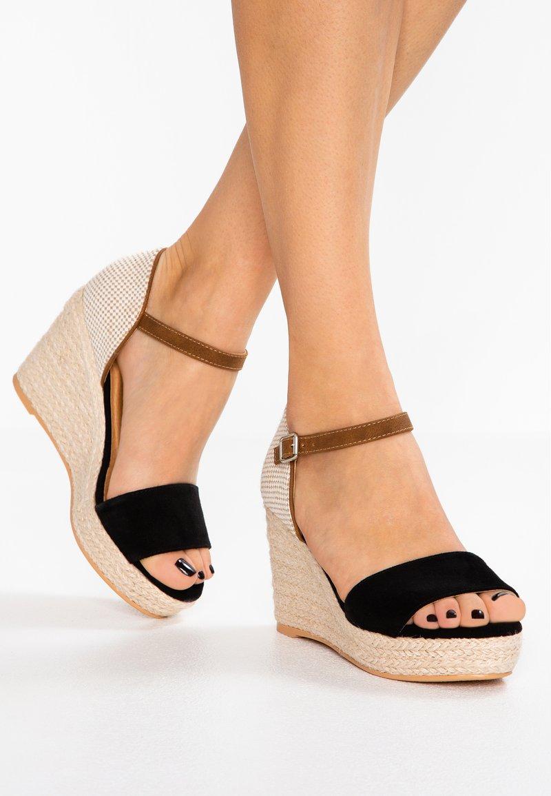 s.Oliver - Højhælede sandaletter / Højhælede sandaler - black