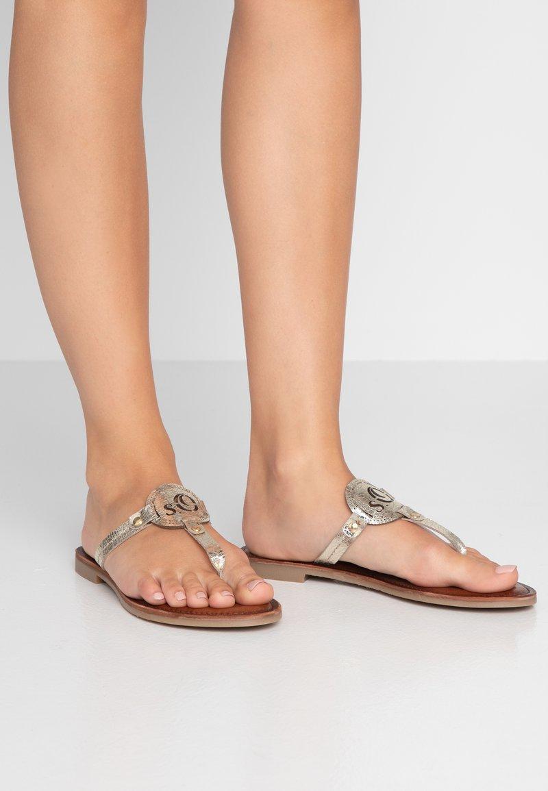 s.Oliver - T-bar sandals - champagne