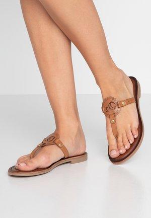 Sandály s odděleným palcem - cognac