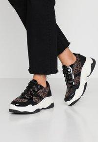 s.Oliver - DA.-SCHNÜRER - Sneakers - black - 0