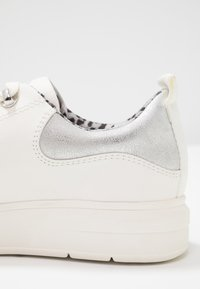 s.Oliver - Sneaker low - white - 2