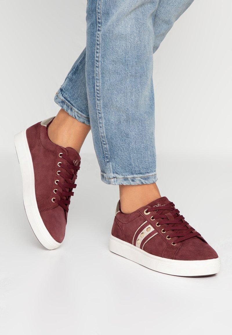 s.Oliver - Sneaker low - bordeaux