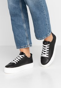 s.Oliver - Sneakers basse - black - 0