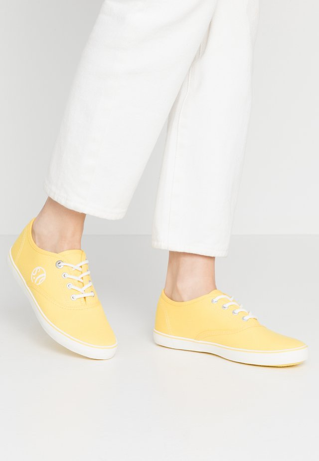 LACE-UP - Tenisky - yellow