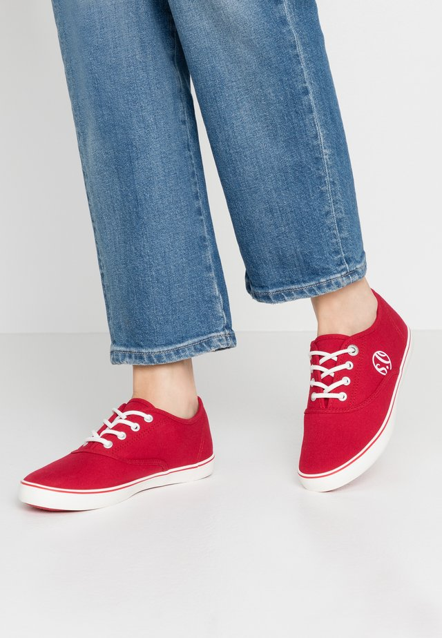 LACE-UP - Sneakers - red