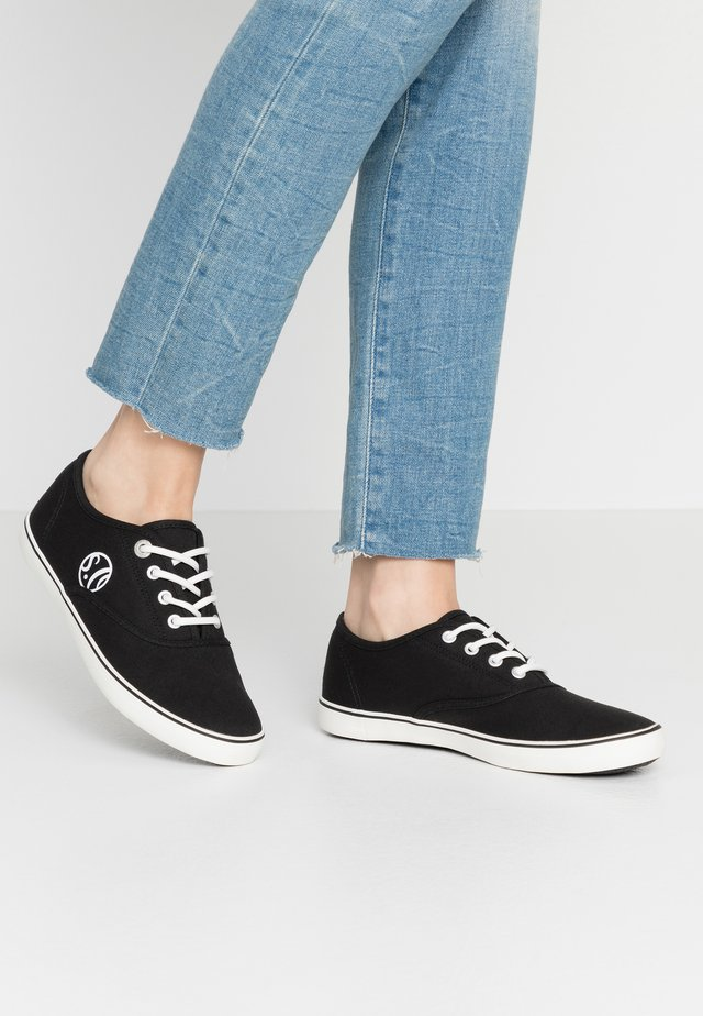 LACE-UP - Sneakers basse - black