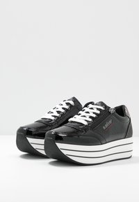 s.Oliver - Sneakers laag - black - 4