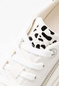 s.Oliver - Sneakers laag - white - 2