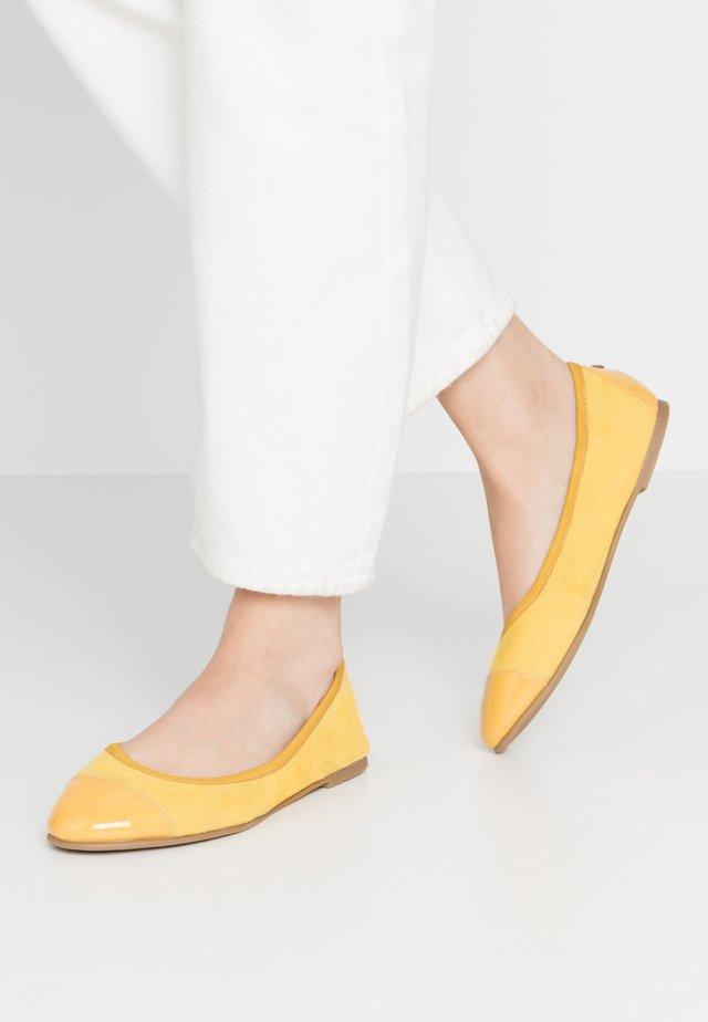Baleríny - yellow