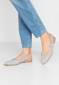 s.Oliver - Slingback ballet pumps - light grey - 0